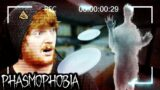 POLTERGEIST IS THROWING PLATES!!   Phasmophobia   w/ My Sister Emma